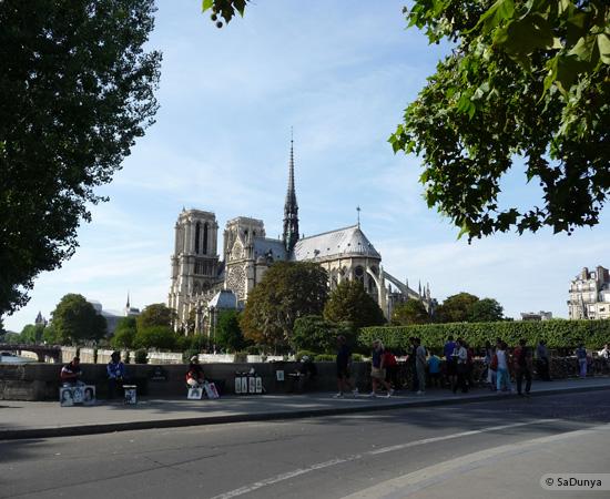 10 /26 - Aby fait un tour en bateau sur la Seine