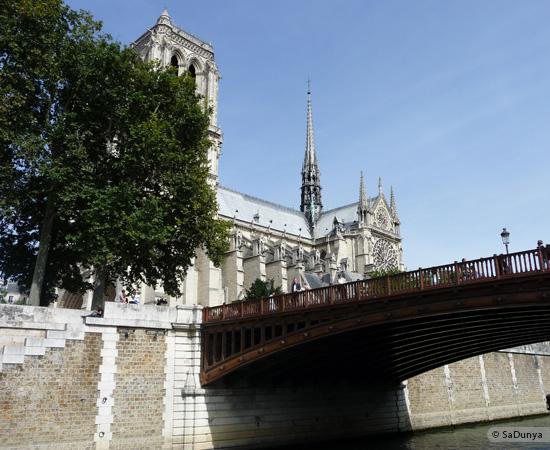 12 /26 - Aby fait un tour en bateau sur la Seine