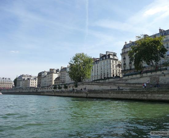23 /26 - Aby fait un tour en bateau sur la Seine