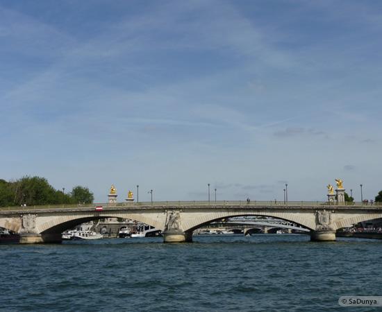 7 /26 - Aby fait un tour en bateau sur la Seine