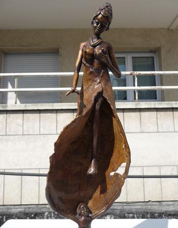 Les Femmes bronze de Tiendrebeogo - 1/16