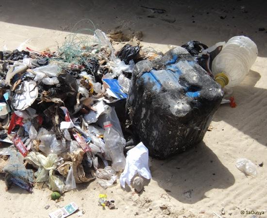 10 /12 - Le nettoyage de la plage de Yoff (ordures)