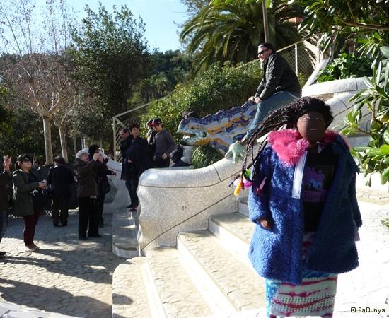 SaDunya au Park Güell à Barcelone en Espagne - 3/37