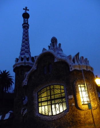 SaDunya au Park Güell à Barcelone en Espagne - 13/22