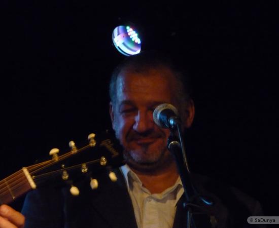 1 /24 - Paul Lassey joue avec Deep River au Clou