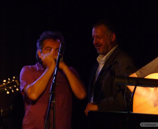 16 /24 - Paul Lassey joue avec Deep River au Clou