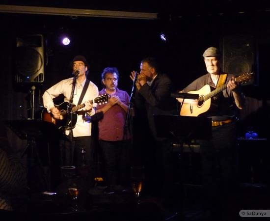 19 /24 - Paul Lassey joue avec Deep River au Clou