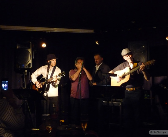 21 /24 - Paul Lassey joue avec Deep River au Clou