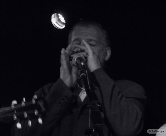 6 /24 - Paul Lassey joue avec Deep River au Clou