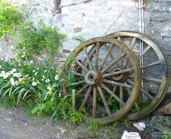 11 /23 - village de Lablachère en Ardèche