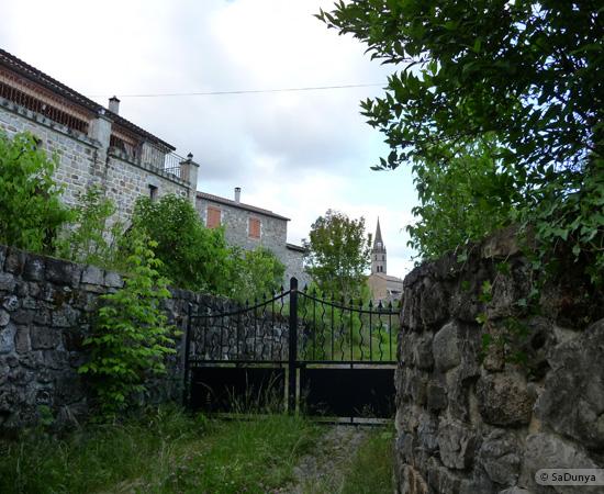 12 /23 - village de Lablachère en Ardèche