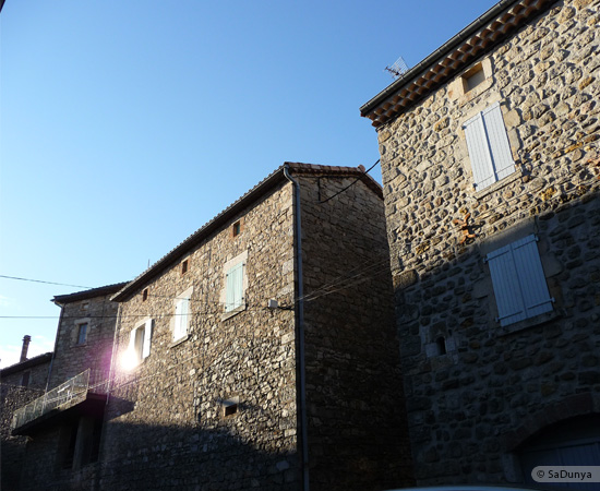 13 /23 - village de Lablachère en Ardèche