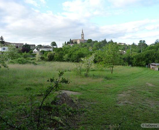 15 /23 - village de Lablachère en Ardèche