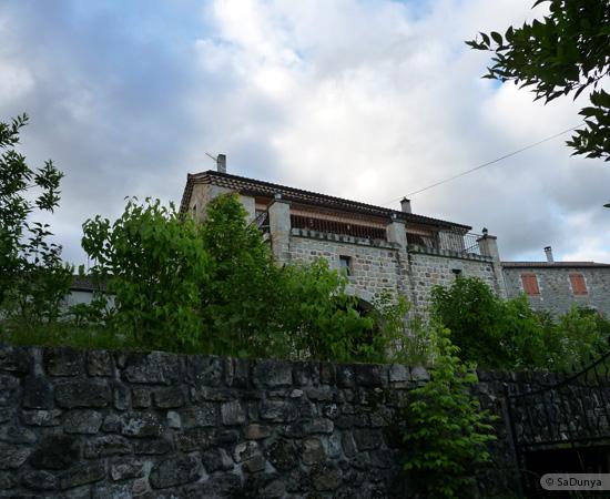 9 /23 - village de Lablachère en Ardèche
